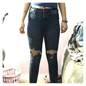 Rockstar style knee-rip jeans!